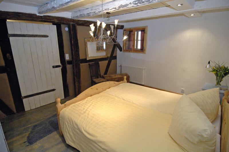 Ferienwohnung # 2 Schlafzimmer, Blick Zur Tür
